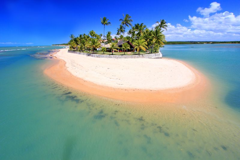 Foto panorâmica da ilha com atenção no resort Anantara