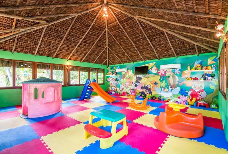 Espaço criança Careta Careta com diversão para os pequenos trazendo todo cuidados com proteção