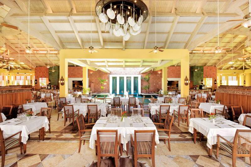Restaurante Pelô com mesas postas