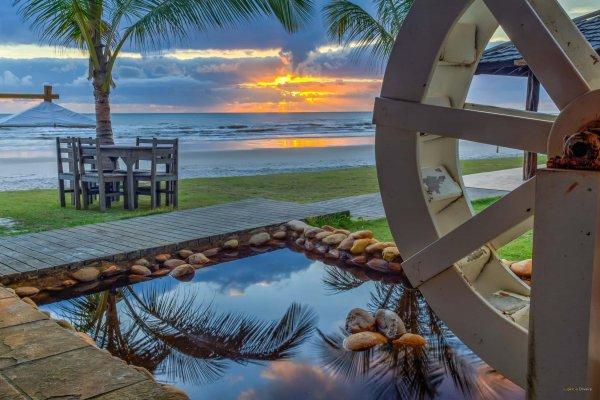 Roda d'agua com uma vista belíssima do por do sol