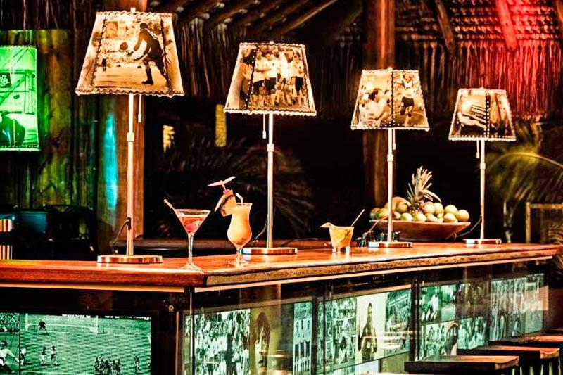 Bar onde são feitos os drinks nacionais e internacionais