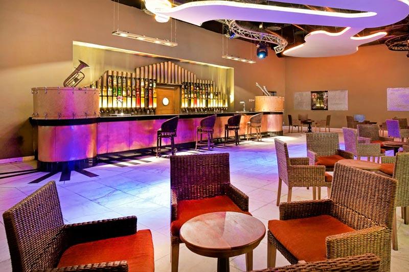 Discoteca com drinks nacionais e internacionais na Bahia
