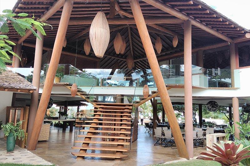 Fachada da entrada do Restaurante Caju onde comida brasileira é especialidade da casa
