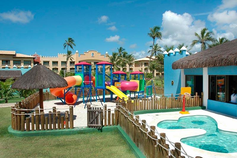 Kids Club com playground ideal para crianças se divertirem
