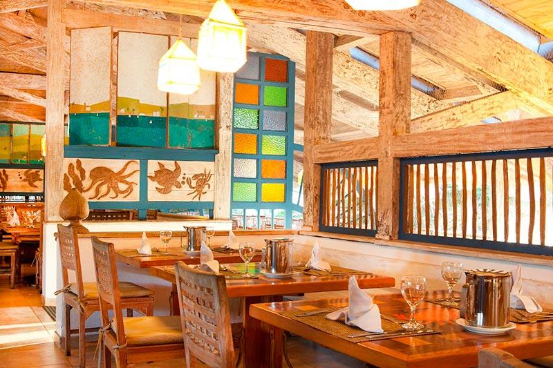 Restaurante Pelourinho servindo comidas internacionais em bufê