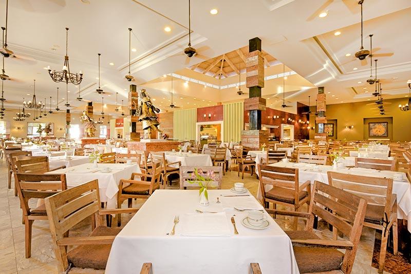 Restaurante Meu Rei detalhes das mesas postas
