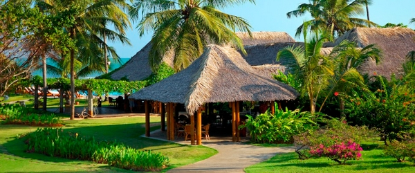 Vista parcial do jardim do Tivoli Resort Praia do Forte